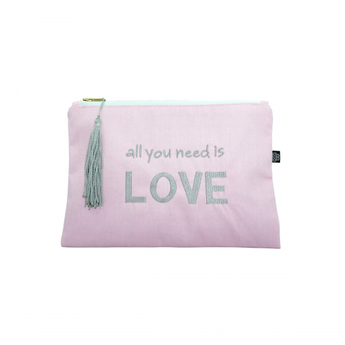 "TROUSSE ""NEED LOVE"""